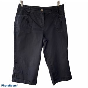 FEMME black capris pants